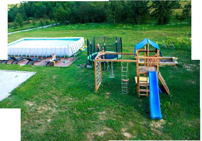 Детская площадка с батутом